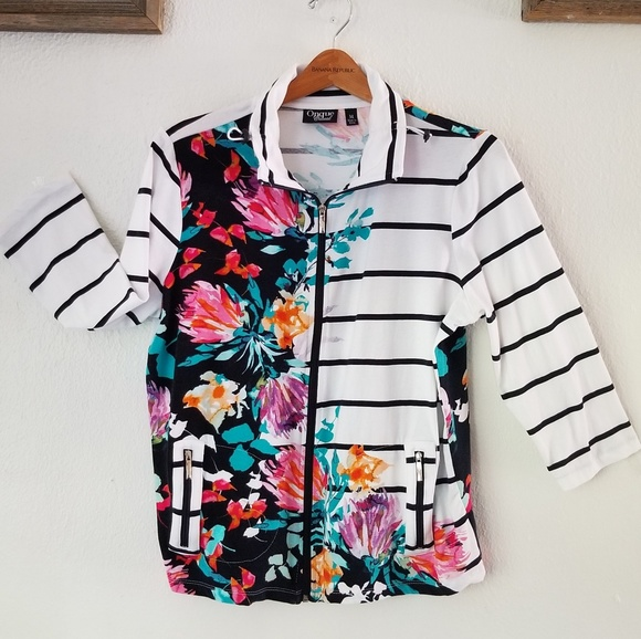 Onque Casuals Women/'s  Blue Shiny Jacket Size Med